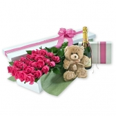 """Цветы в коробке """"Мишка с розами"""""""