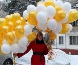 Облако шаров (белые, золото)