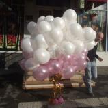 Облако шаров (белые, розовые)