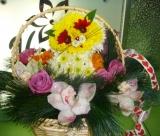"Фигура из цветов ""Киска в корзине"""