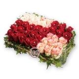 Коробка сюрприз с цветами